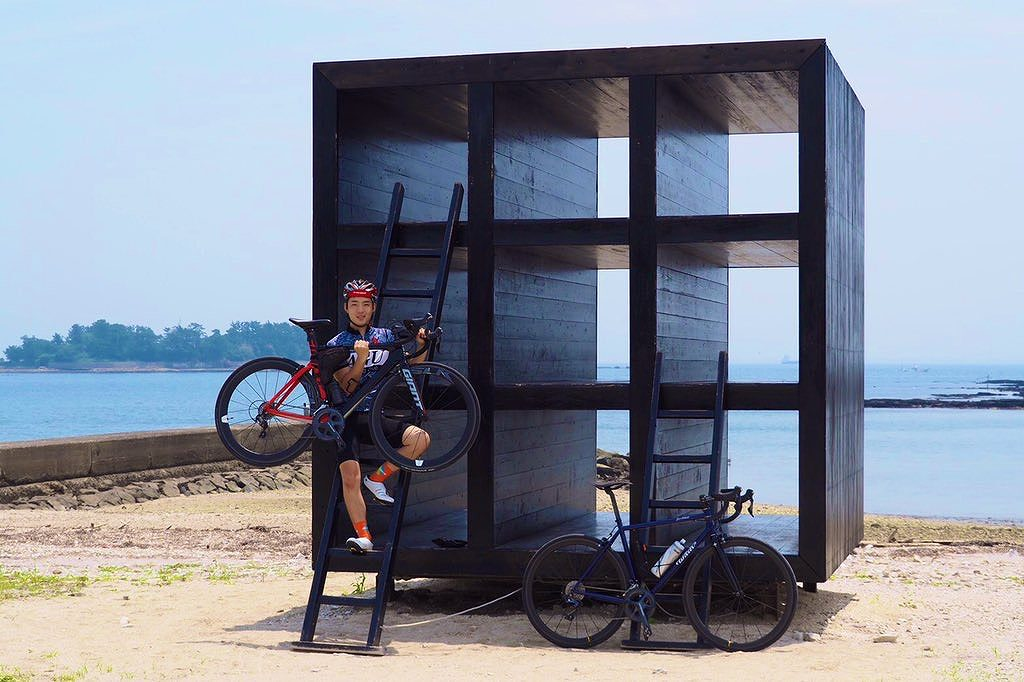 佐久島を自転車でサイクリング