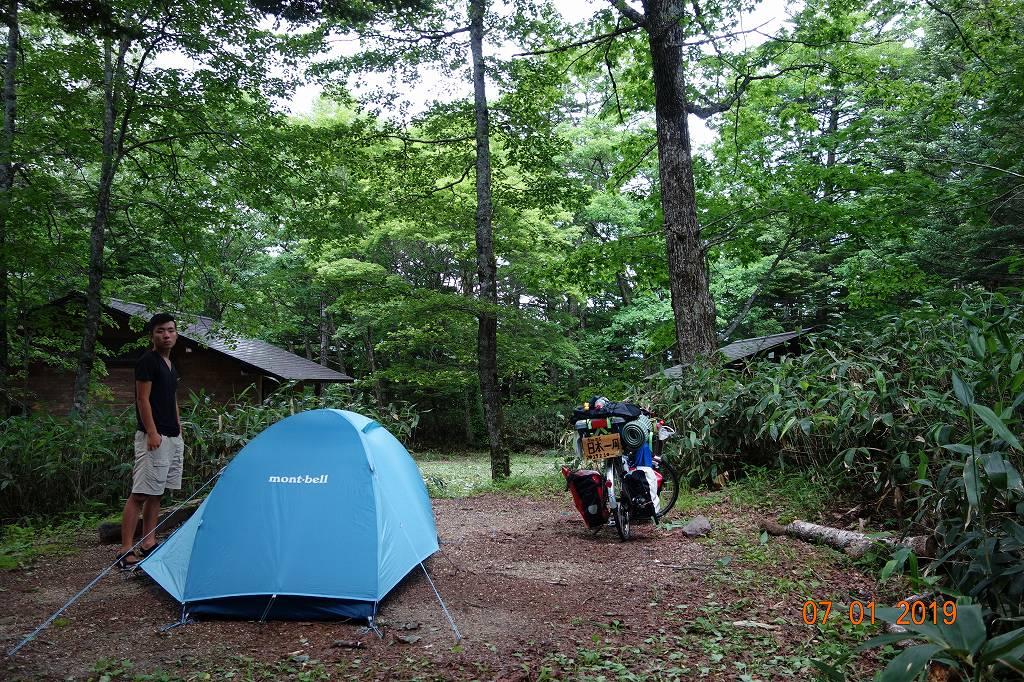 キャンプ場でテント泊をする
