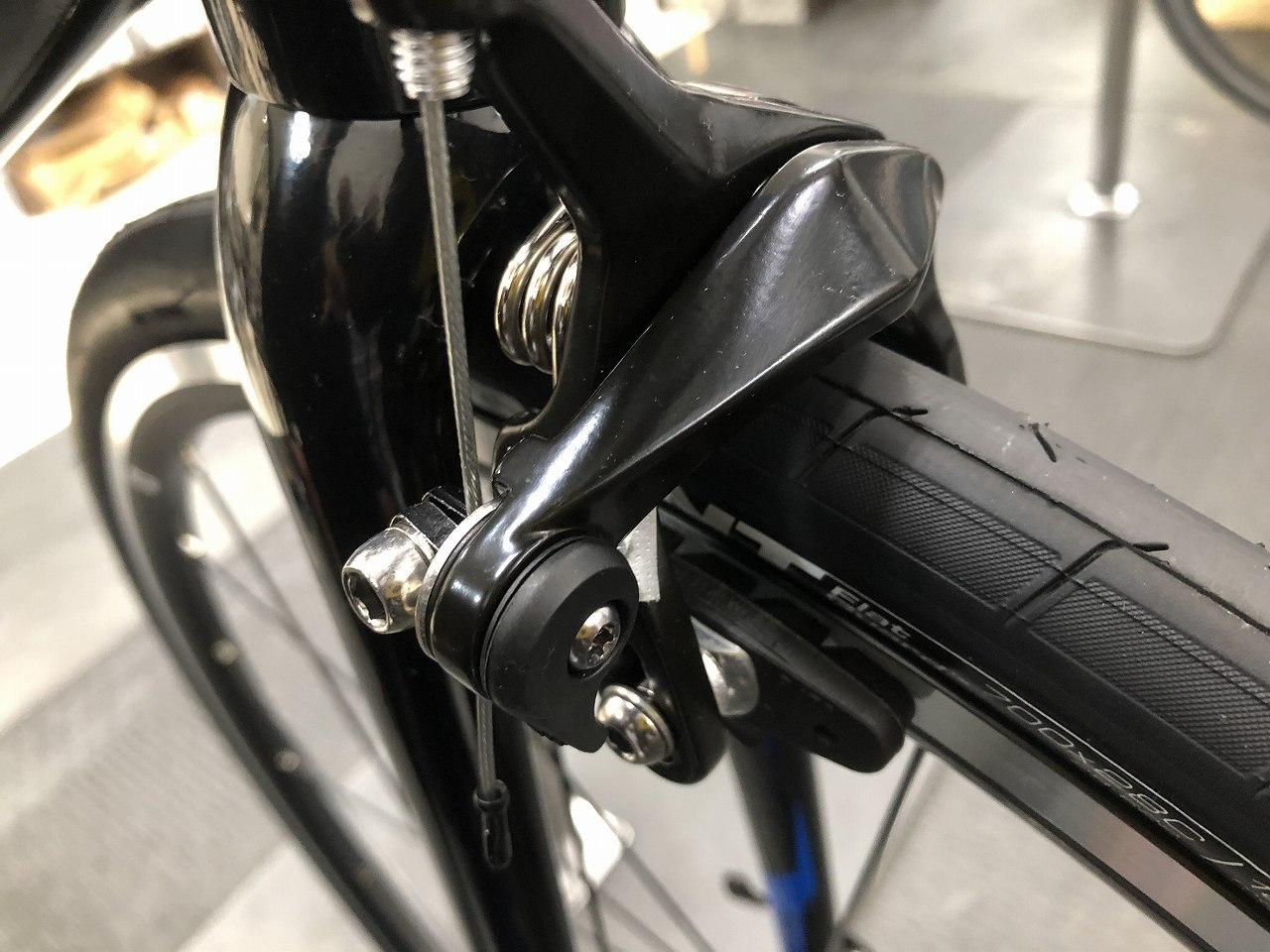 ロードバイクのキャリパーブレーキ