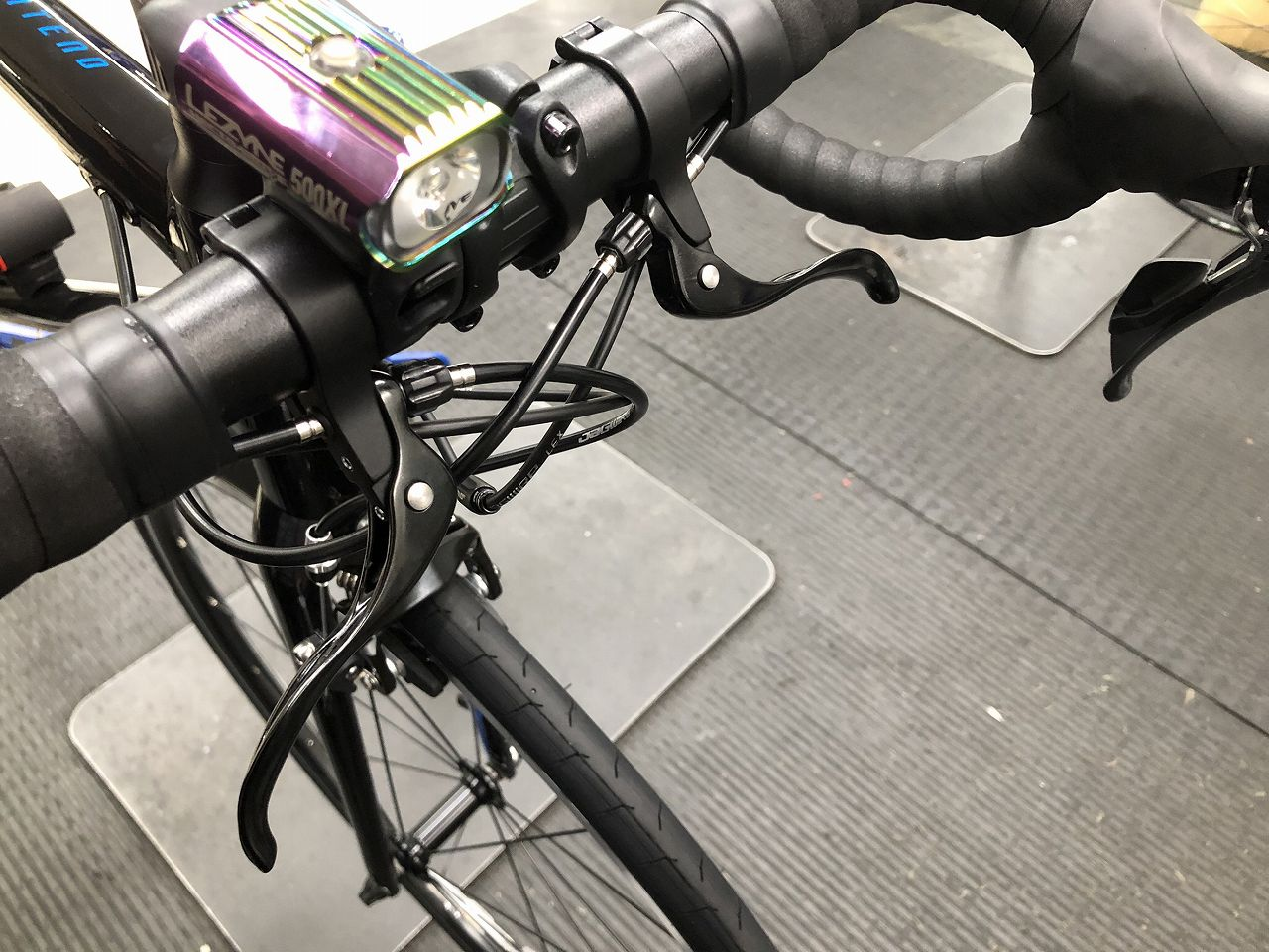 ロードバイクのサブレバー(補助ブレーキ)