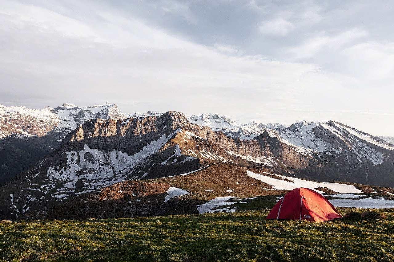 寒い場所で冬キャンプ