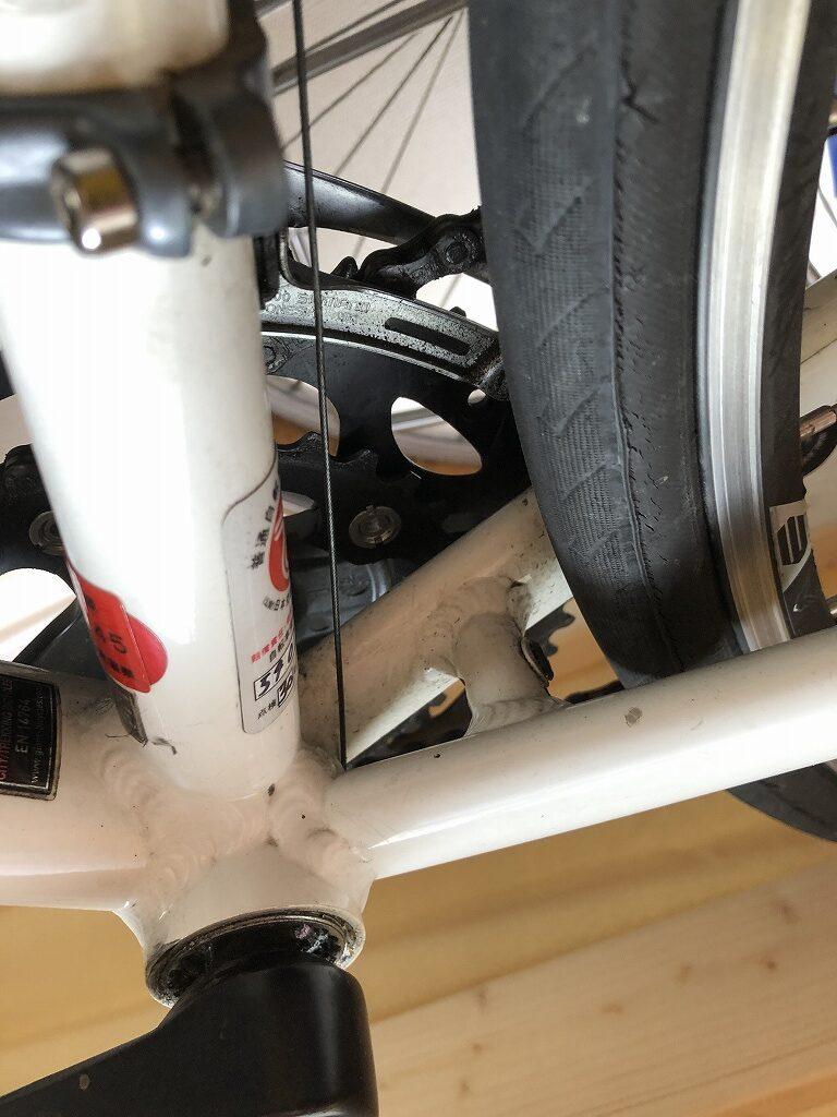 自転車にセンタースタンドを取り付ける
