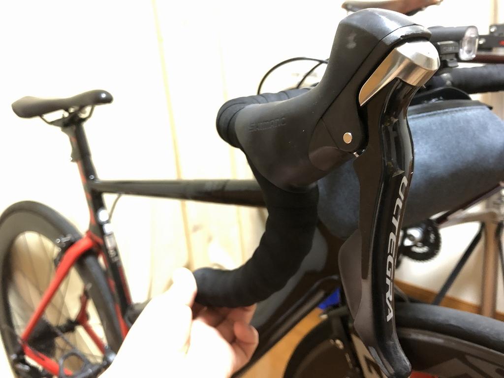 ロードバイクのブラケットカバーを交換する