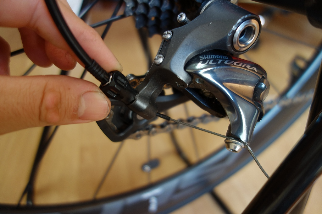 自転車のリアディレイラーの変速調整
